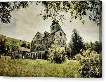 Canvas Print featuring the photograph Cold Springs Hotel by Vicki DeVico