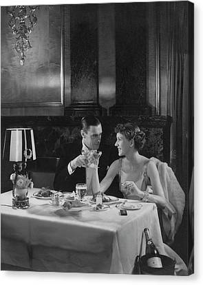Colin Clive And Rose Hobart At Waldorf Canvas Print by Edward Steichen