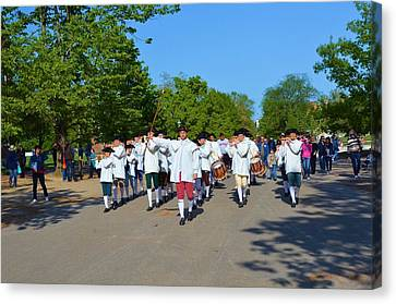 Colonial Marching Band And Soliders Canvas Print by Richard Jenkins
