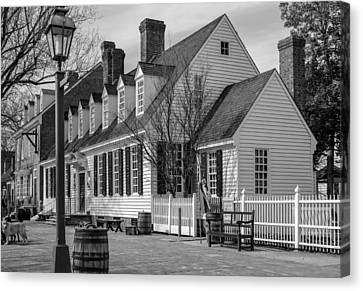Canvas Print featuring the photograph Colonial Williamsburg  by Trace Kittrell