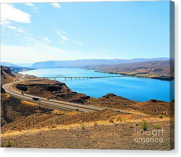 Columbia River From Overlook Canvas Print by Janette Boyd