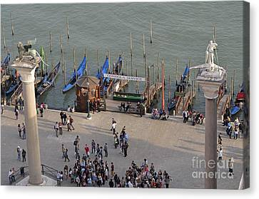 Columns Of San Marco Left And San Teodoro Canvas Print