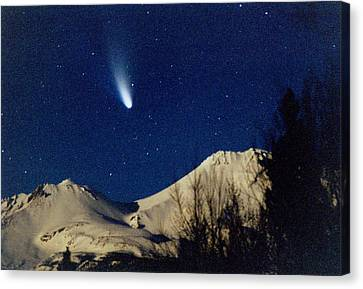 Comet Hale Bopp Rising Over Mount Shasta 01 Canvas Print by Patricia Sanders