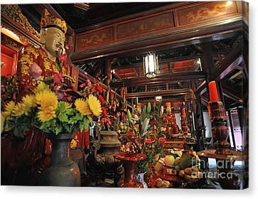 Confucius Statue Inside Dai Bai Duong Pavilion Canvas Print
