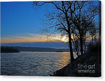 Canvas Print featuring the photograph Conowingo Sunrise by Olivia Hardwicke