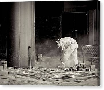 Construction Worker Bw Canvas Print by Rudy Umans