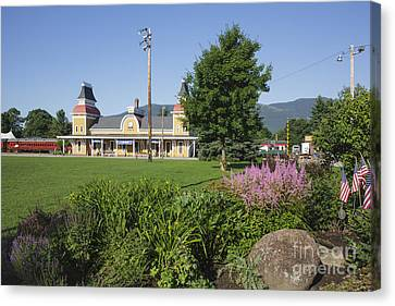 Conway Scenic Railroad - North Conway New Hampshire Usa Canvas Print by Erin Paul Donovan