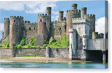 Conwy Castle Wales Canvas Print by Jane McIlroy