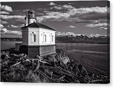 Coquille River Lighthouse Upriver Bw Canvas Print by Joe Hudspeth