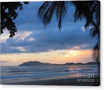 Canvas Print featuring the photograph Costa Rica Sunset by Shelia Kempf