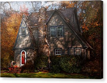 Cottage - Cranford Nj - Autumn Cottage  Canvas Print by Mike Savad