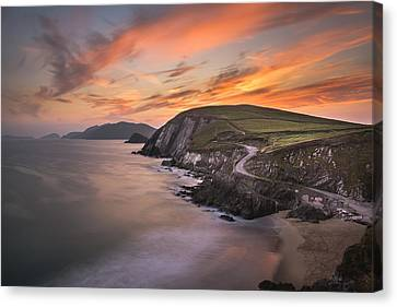 Coumeenole Sunset Canvas Print by Florian Walsh