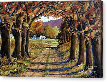 Country Livin  Canvas Print by Richard T Pranke