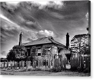 Country Mansion Canvas Print by Wallaroo Images