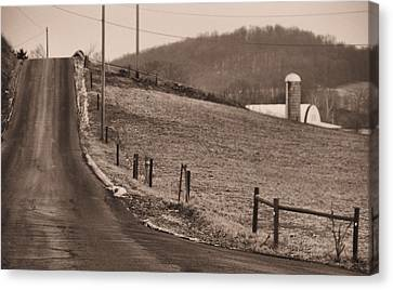 Country Road Canvas Print by Dan Sproul