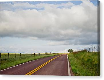 Country Road Canvas Print by Swift Family