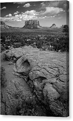 Canvas Print featuring the photograph Courthouse Butte In Sedona Bw by Dave Garner