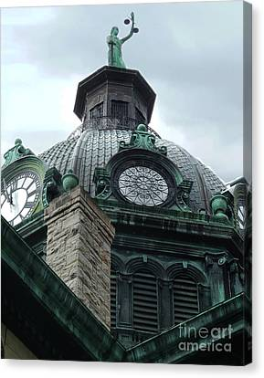 Courthouse Dome In Binghamton Ny Canvas Print by Sally Simon