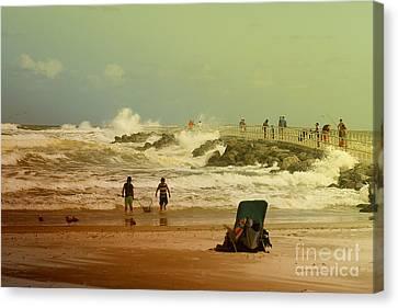 Crash Of The Waves Canvas Print by Deborah Benoit