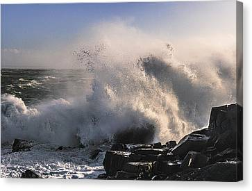 Canvas Print featuring the photograph Crashing Surf by Marty Saccone
