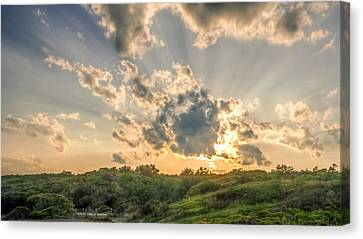 Crepuscular Rays Canvas Print by Rob Sellers