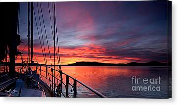 Crimson Sunrise Wallpaper Screensaver And Photo Download. Canvas Print by Geoff Childs