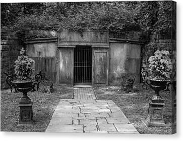 Canvas Print featuring the photograph Crypt At Belle Meade Mansion by Robert Hebert
