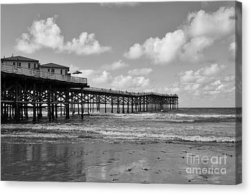 Crystal Pier In Pacific Beach Canvas Print
