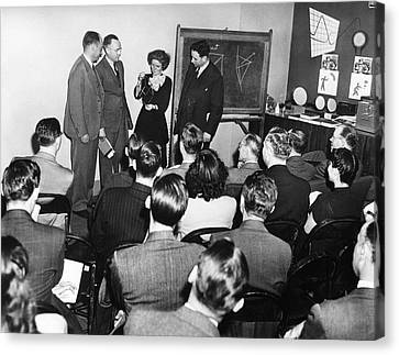 Crystallography Lecture Canvas Print by Emilio Segre Visual Archives/american Institute Of Physics