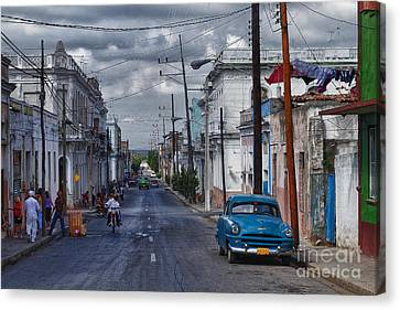 Canvas Print featuring the photograph Cuba Traffic by Juergen Klust