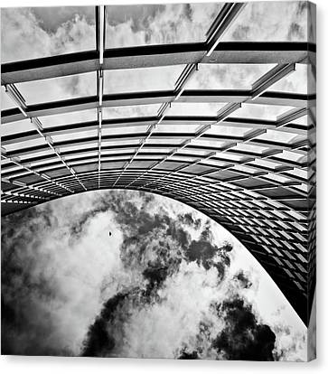 Canvas Print featuring the photograph Curve by Brian Carson