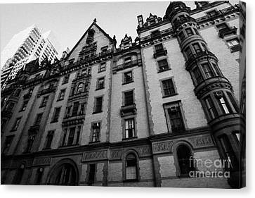 Dakota Apartments Upper West Side Central Park West New York City Canvas Print by Joe Fox