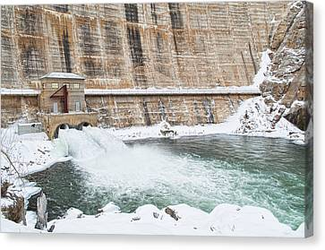 Dam Cold  Canvas Print by Fran Riley