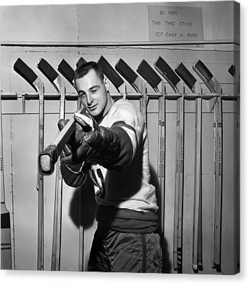 Dan Belisle Of The Vancouver Canucks 1960 Canvas Print