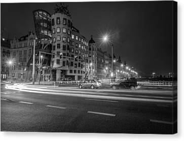 Dancing House  B-w Canvas Print by Sergey Simanovsky