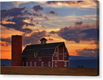 Danny's Barn Canvas Print by Darren  White