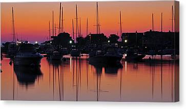 Dawn At Oak Bluffs Canvas Print