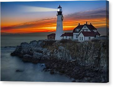 Dawn At Portalnd Head Light Canvas Print