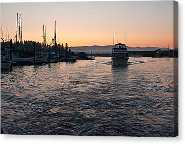 Canvas Print featuring the photograph Dawn Fishing by Erin Kohlenberg