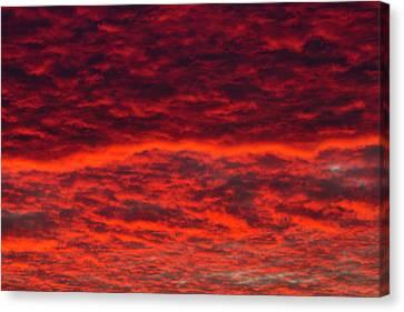 Dawn Sky, Portland, Oregon Canvas Print by William Sutton