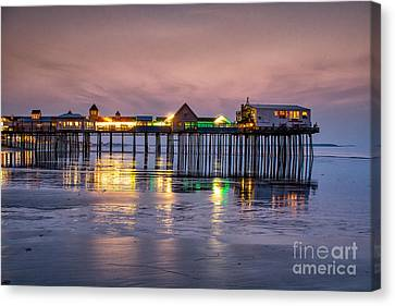 Dawns Early Light Canvas Print by Scott Thorp