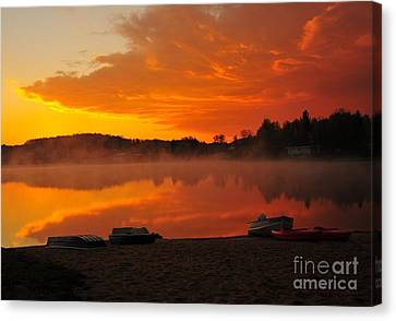 Daybreak At The Beach Canvas Print by Terri Gostola