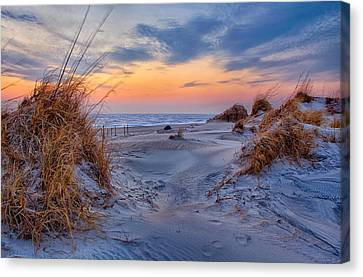 Daybreak On The Outer Banks 1 Canvas Print by Dan Carmichael