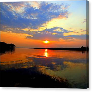 Dazzling End Of The Day Canvas Print by Phyllis Beiser