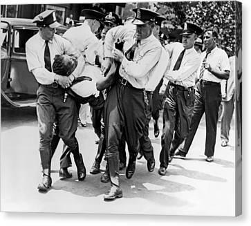 Dc Police Evict Wwi Vet Canvas Print by Underwood Archives