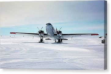 Dc3 At Union Glacier Canvas Print by Peter J. Raymond