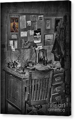 Dead-end Job Canvas Print by Lee Dos Santos