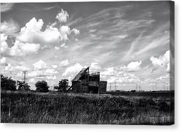 Decaying Illinois Barn Black And White Canvas Print by Thomas Woolworth