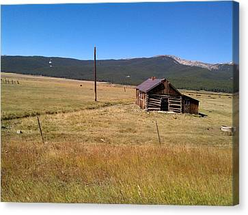 Canvas Print featuring the photograph Deserted Cabin by Fortunate Findings Shirley Dickerson