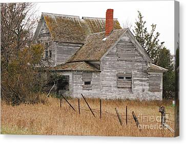 Canvas Print featuring the photograph Deserted House by Mary Carol Story